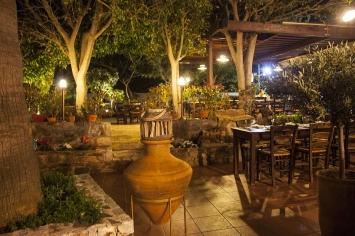 nymfi-restaurant-exterior-0014