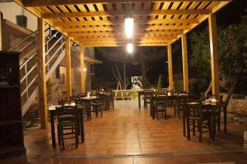nymfi-restaurant-exterior-0018