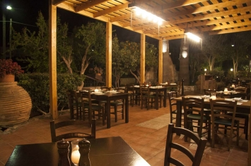 nymfi-restaurant-exterior-0019