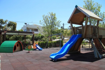 nymfi-restaurant-playground-0002