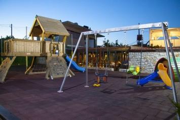 nymfi-restaurant-playground-0004