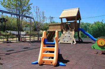 nymfi-restaurant-playground-00066